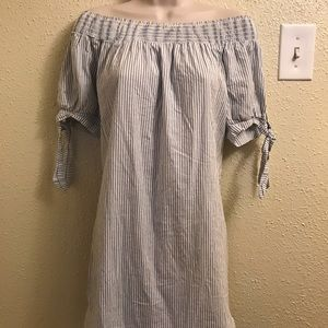 H.i.p. Striped shoulderless shift dress Sz medium